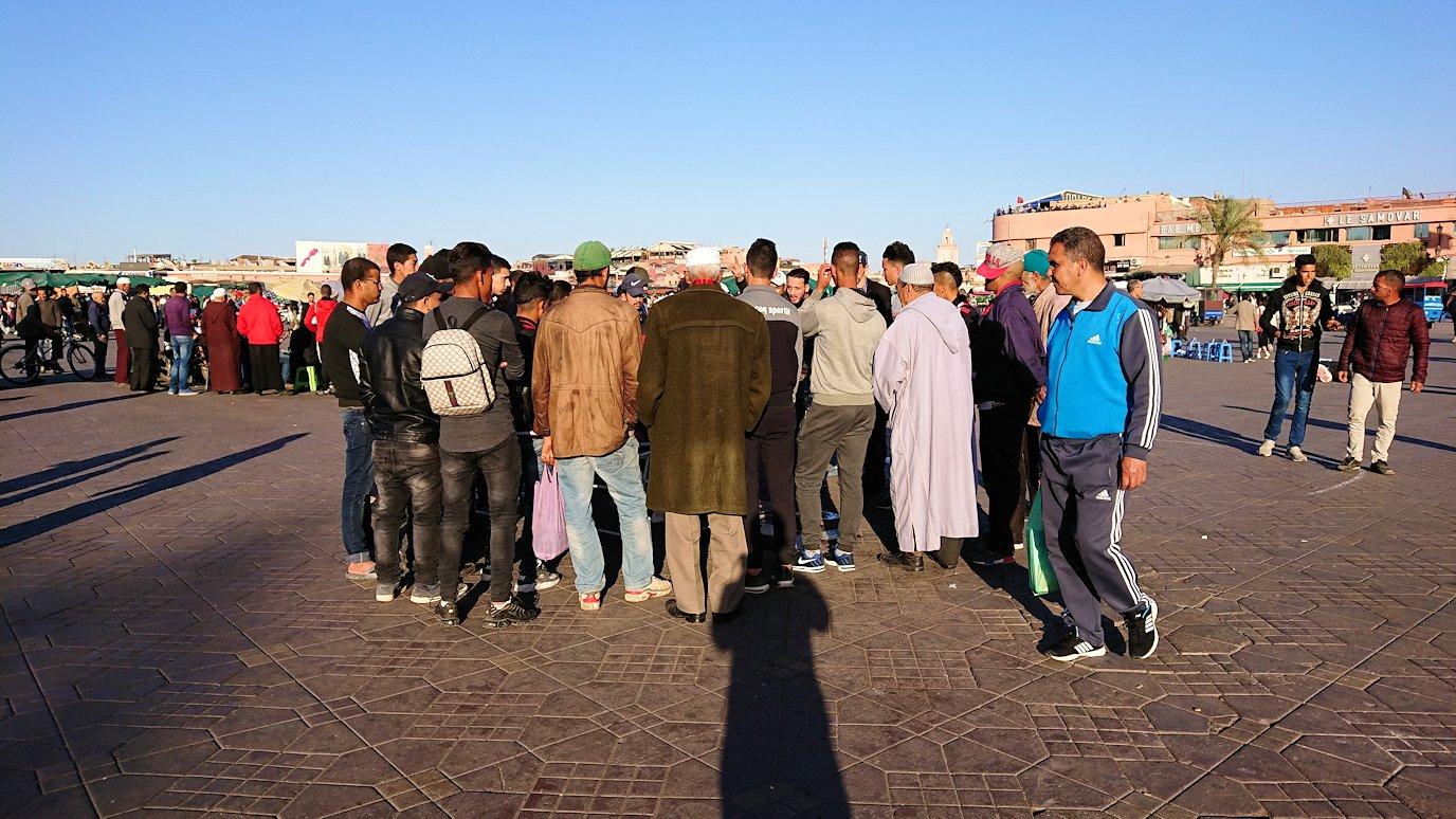 モロッコ・マラケシュでジャマ・エル・フナ広場でぐるぐると散歩1