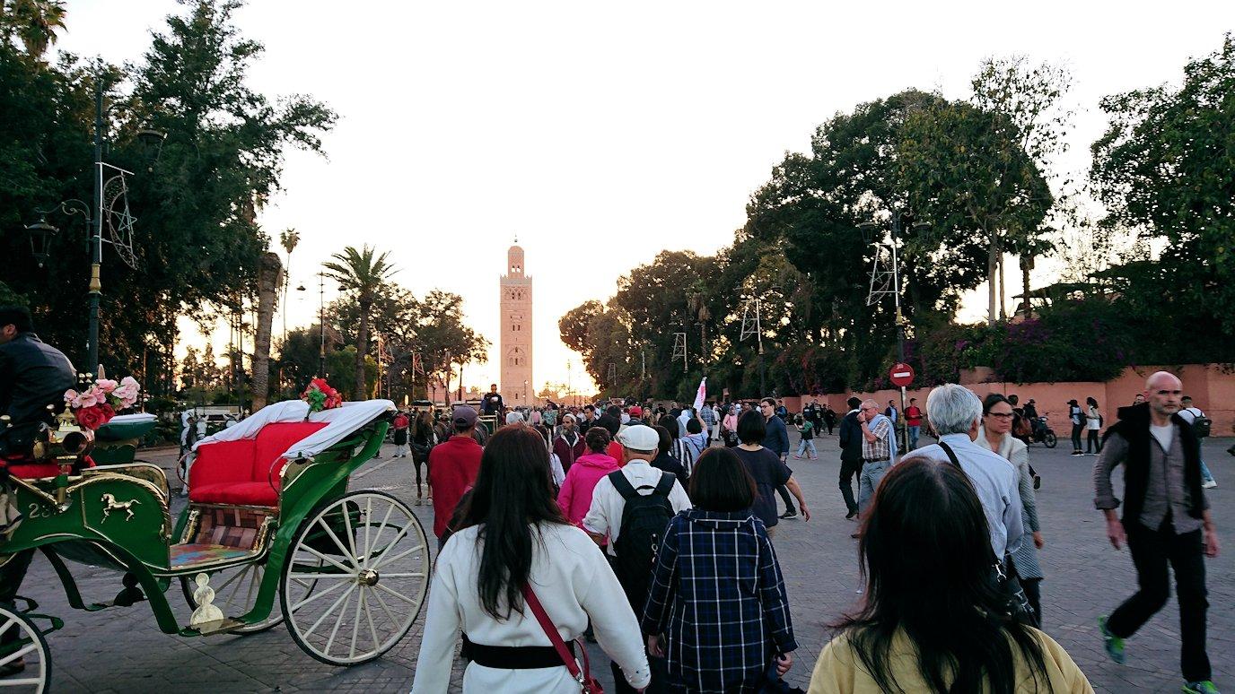 モロッコ・マラケシュでジャマ・エル・フナ広場でブラたもり?!5