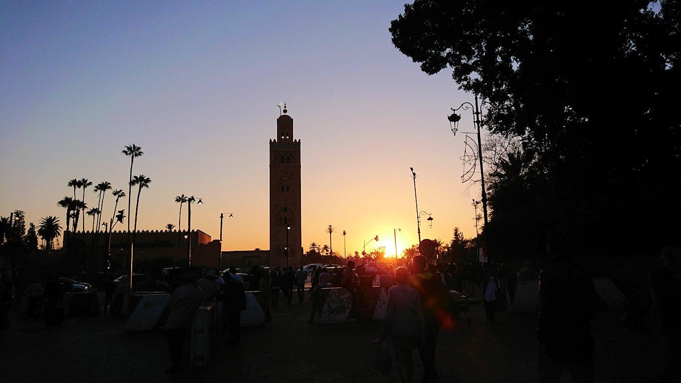 モロッコ・マラケシュでジャマ・エル・フナ広場でブラたもり?!7
