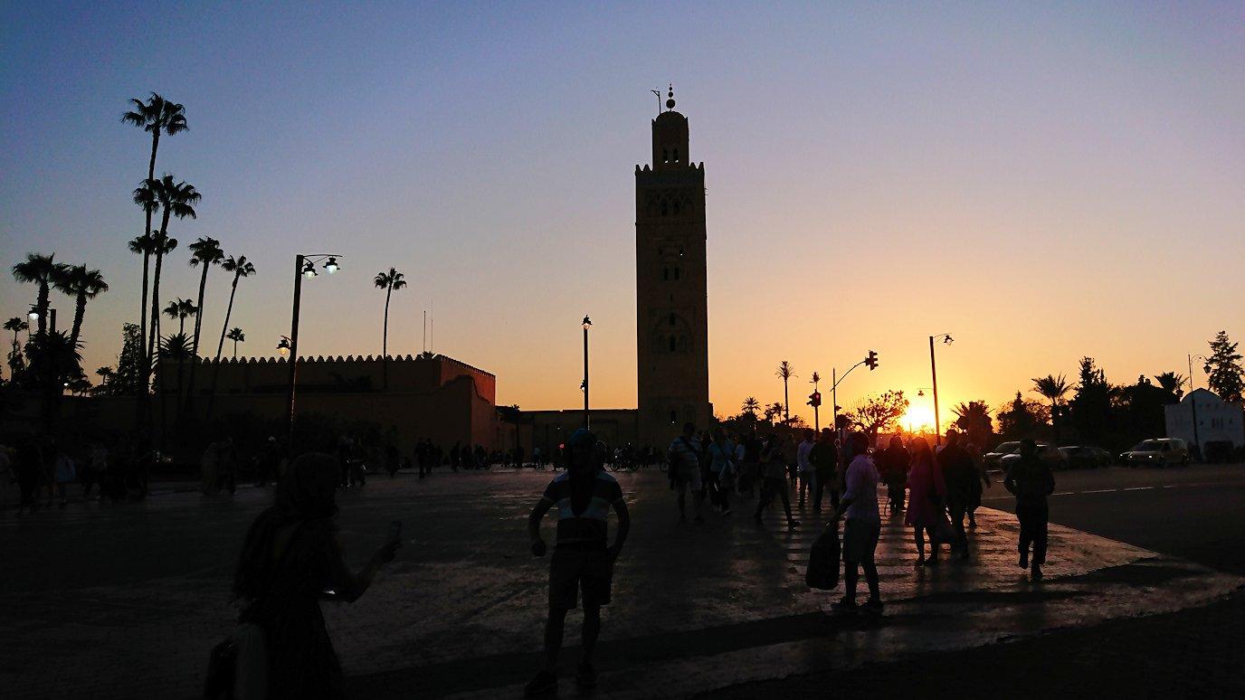 モロッコ・マラケシュでジャマ・エル・フナ広場でブラたもり?!8