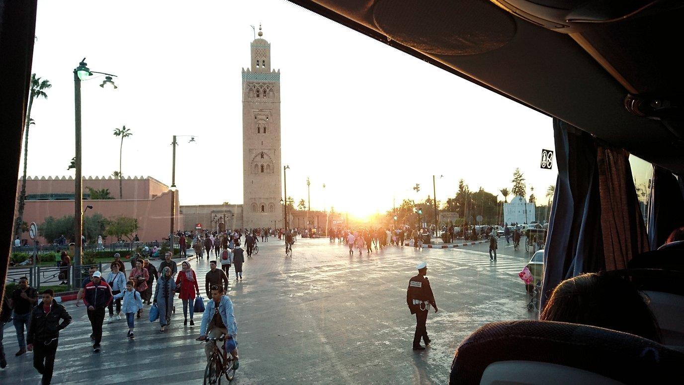 モロッコ・マラケシュでジャマ・エル・フナ広場でブラたもり?!9