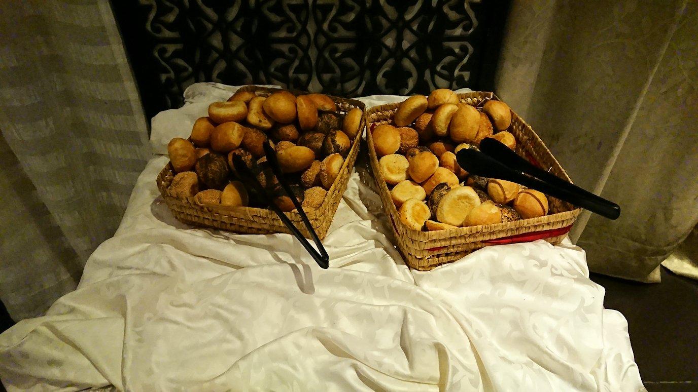モロッコ・マラケシュでジャマ・エル・フナ広場からホテルに戻り夕食を2