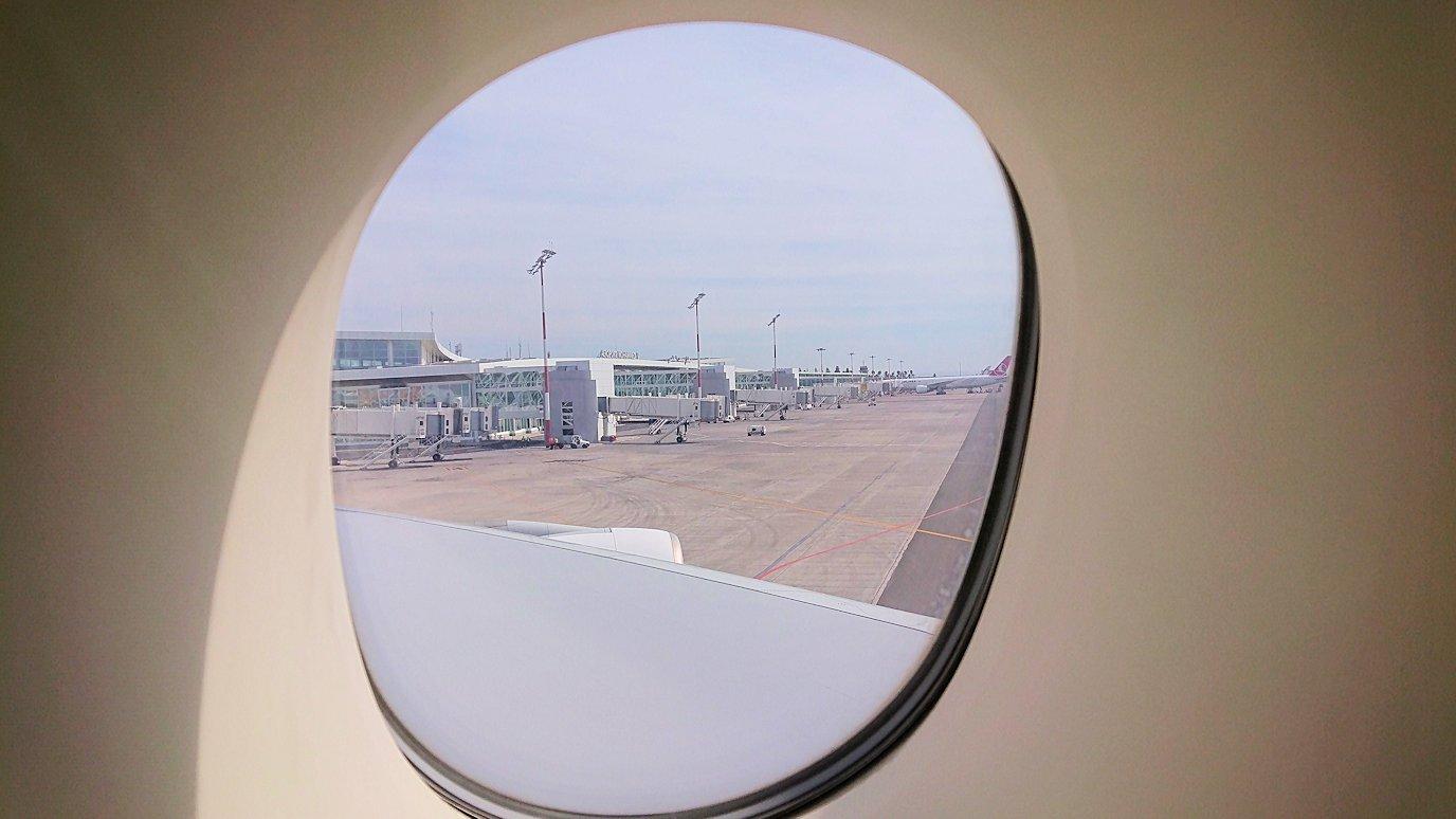 モロッコのカサブランカ空港でA380-800のビジネスクラスに搭乗しドバイへ向かう1