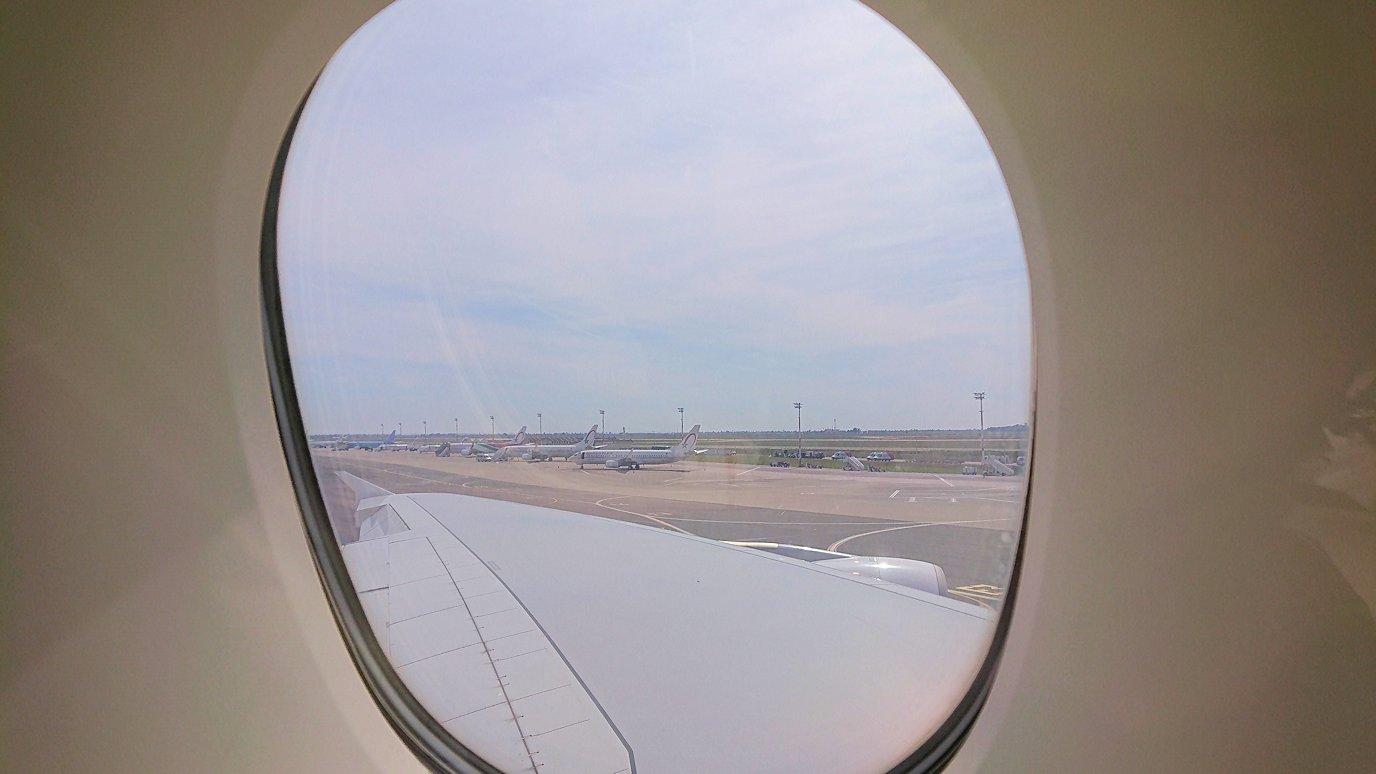 モロッコのカサブランカ空港でA380-800のビジネスクラスに搭乗しドバイへ向かう2