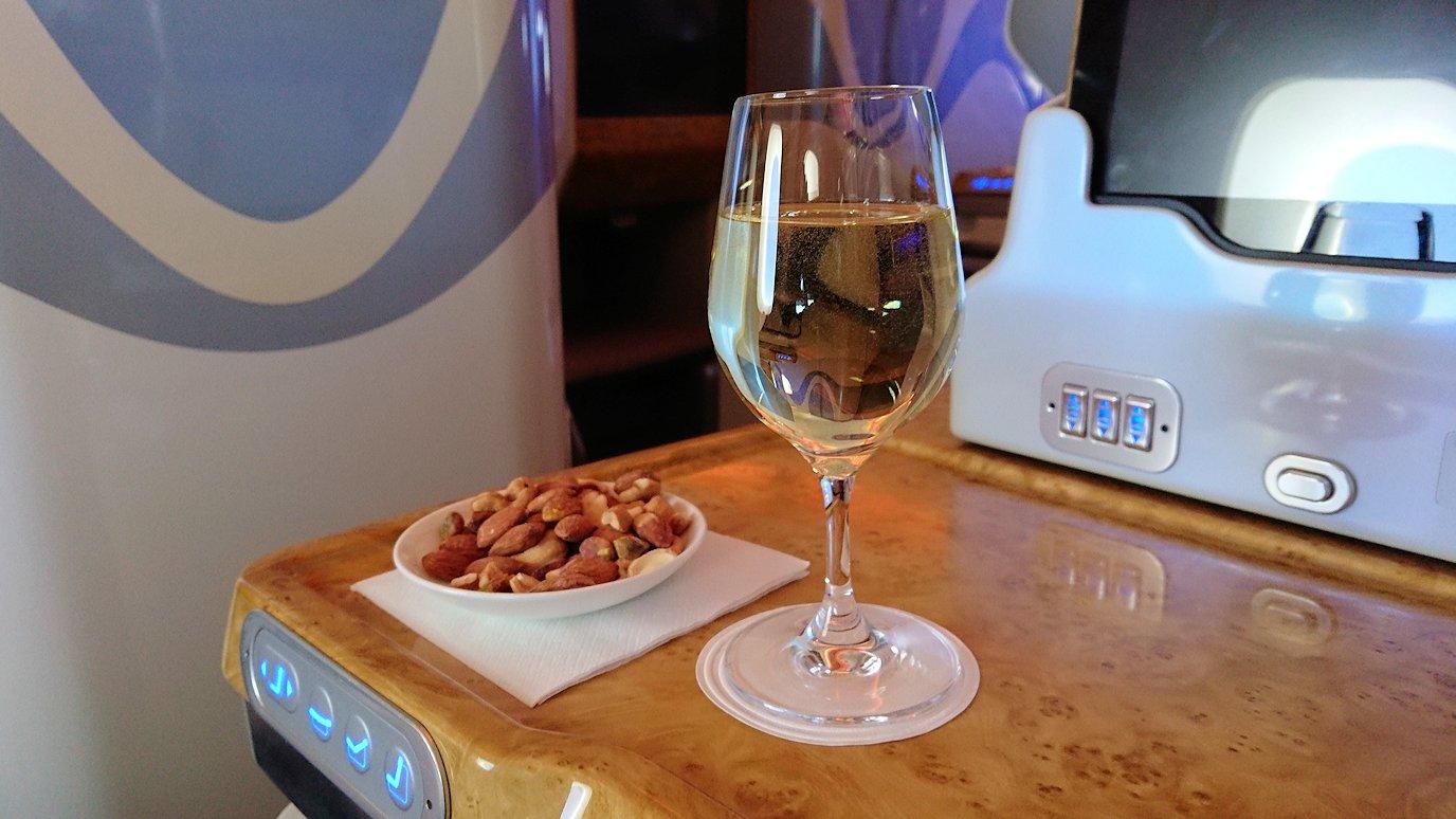 モロッコのカサブランカ空港でA380-800のビジネスクラスに搭乗しドバイへ向かう6
