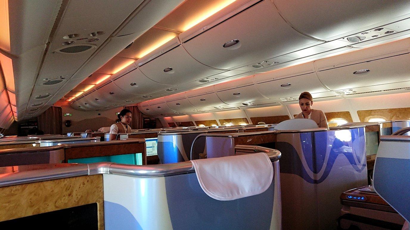 モロッコのカサブランカ空港でA380-800のビジネスクラスに搭乗しドバイへ向かう9