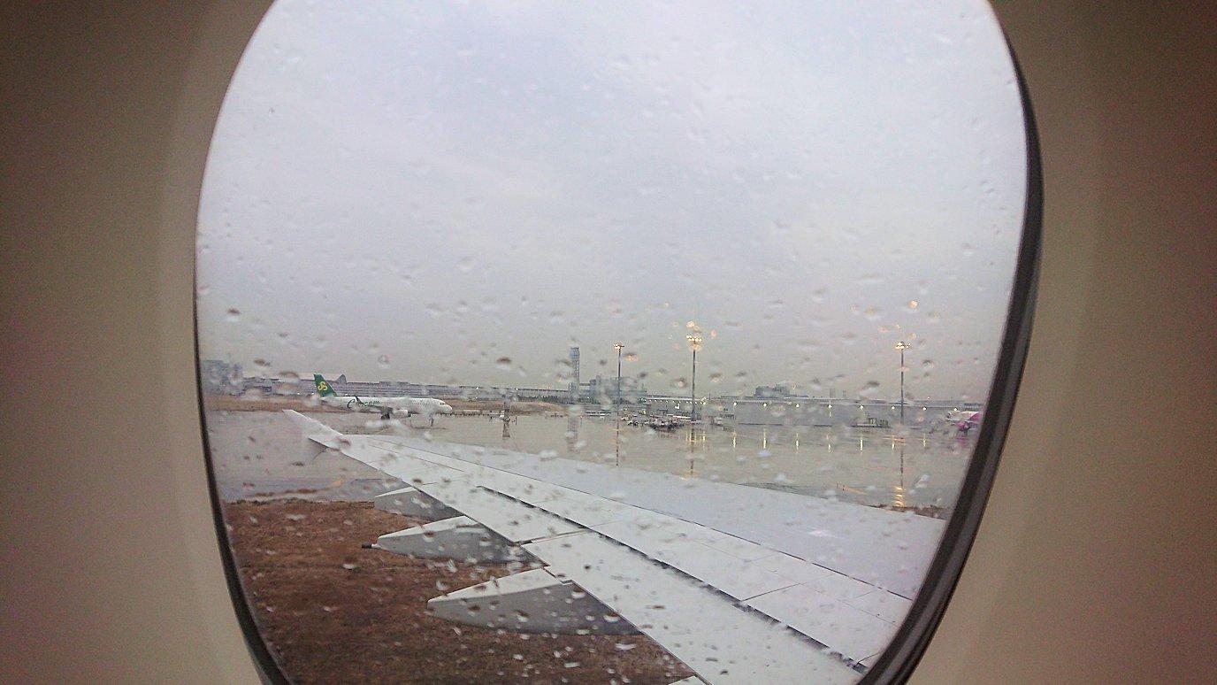 ドバイ国際空港から関西国際空港へ無事到着