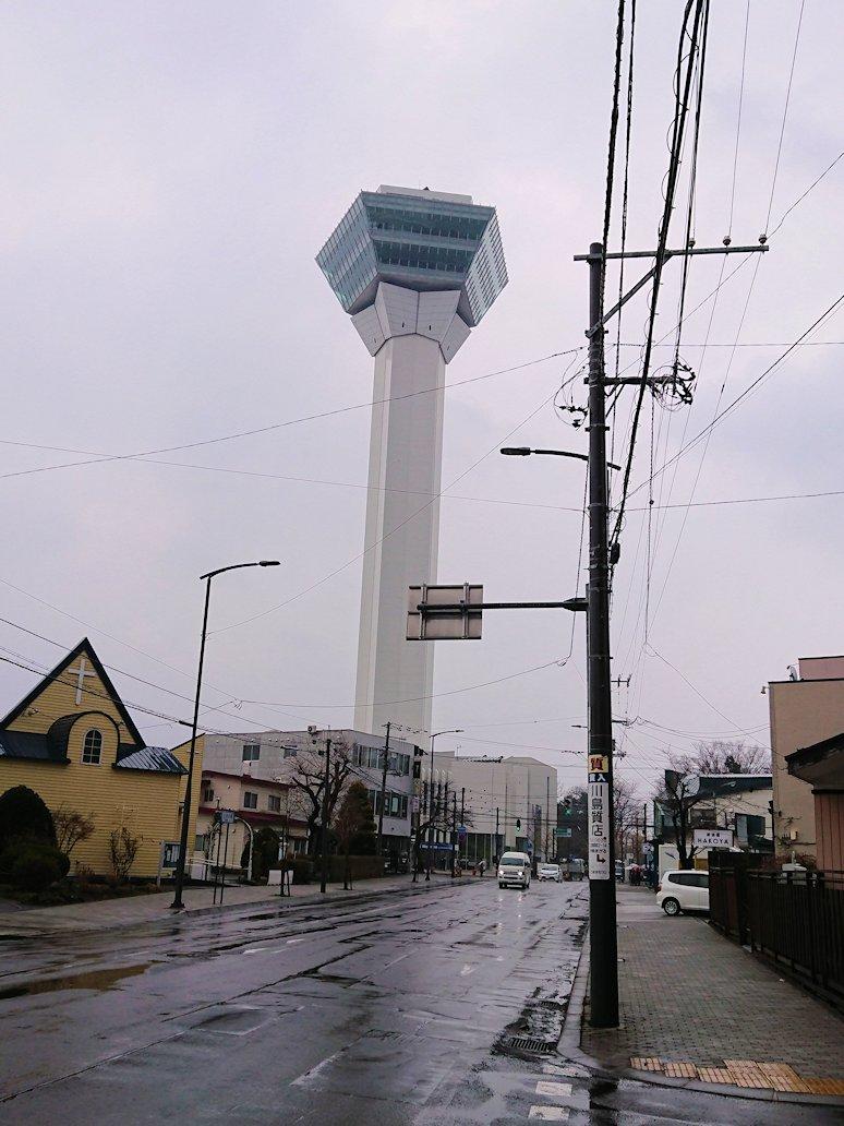 函館2日目の朝は朝食をラッキーピエロで食べて朝市会場を散策し五稜郭へ向かう3