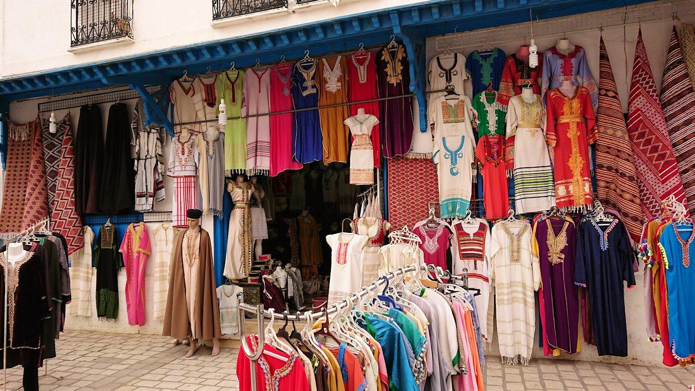 チュニジア:ナブールの街で旧市街地へ向かって歩く7