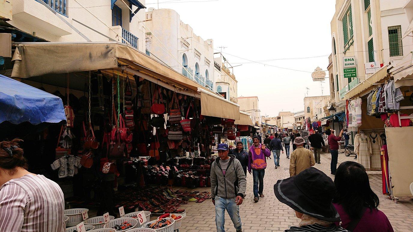 チュニジア:ナブールの街で旧市街地を歩く5