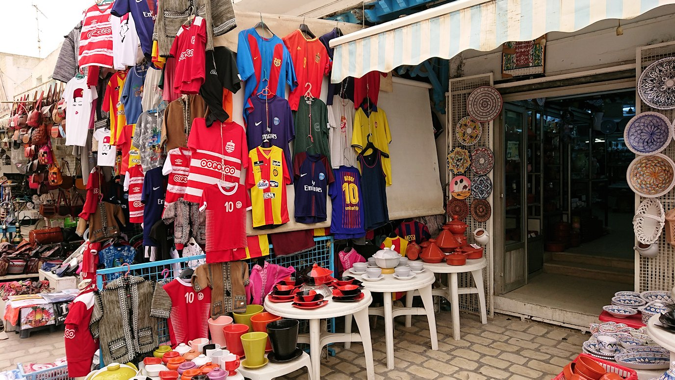 チュニジア:ナブールの街で旧市街地を歩く8