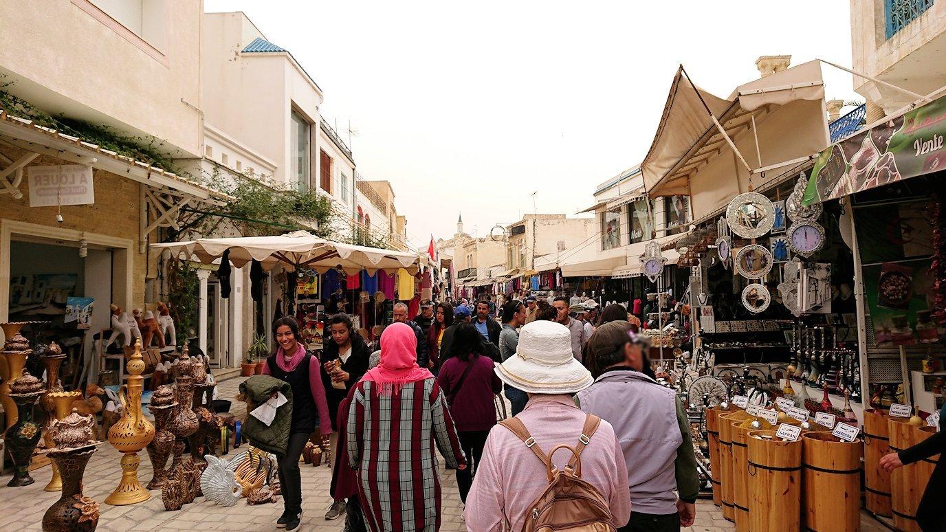チュニジア:ナブールの街で旧市街地を歩く1