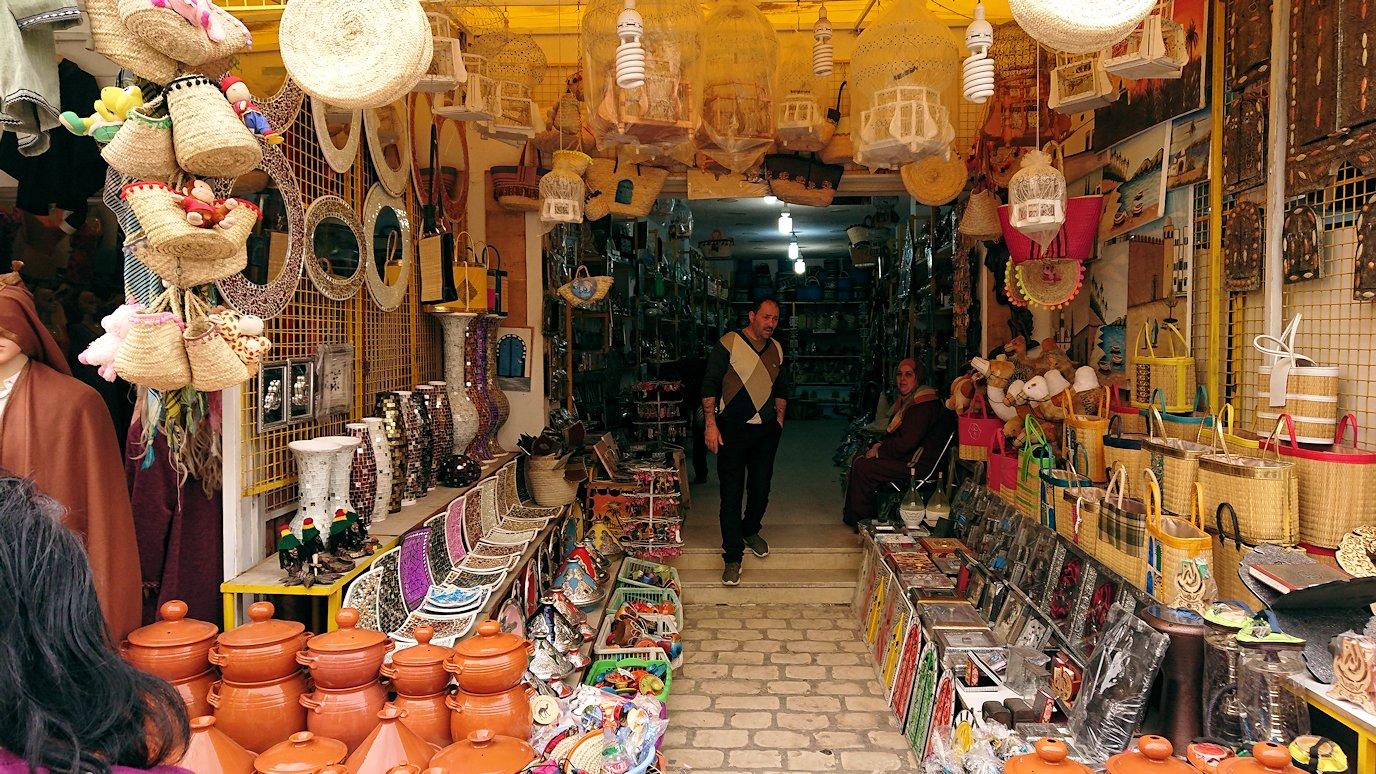 チュニジア:ナブールの街で旧市街地を歩く2