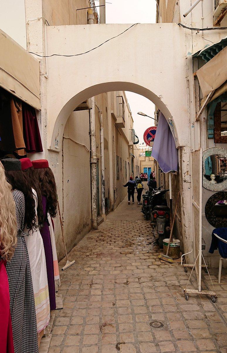 チュニジア:ナブールの街で旧市街地を散策