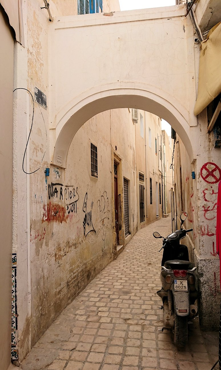 チュニジア:ナブールの街で旧市街地を散策5