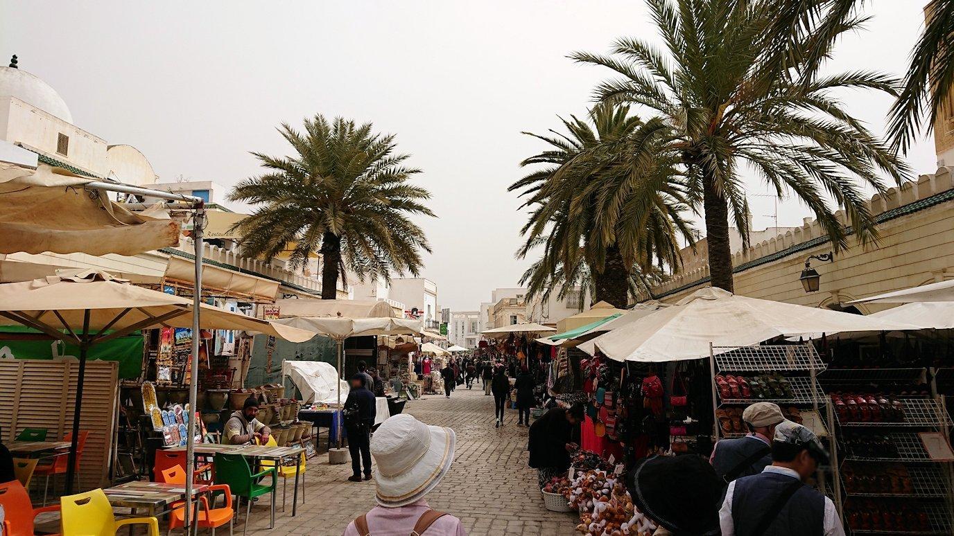 チュニジア:ナブールの街で旧市街地を奥まで進む5