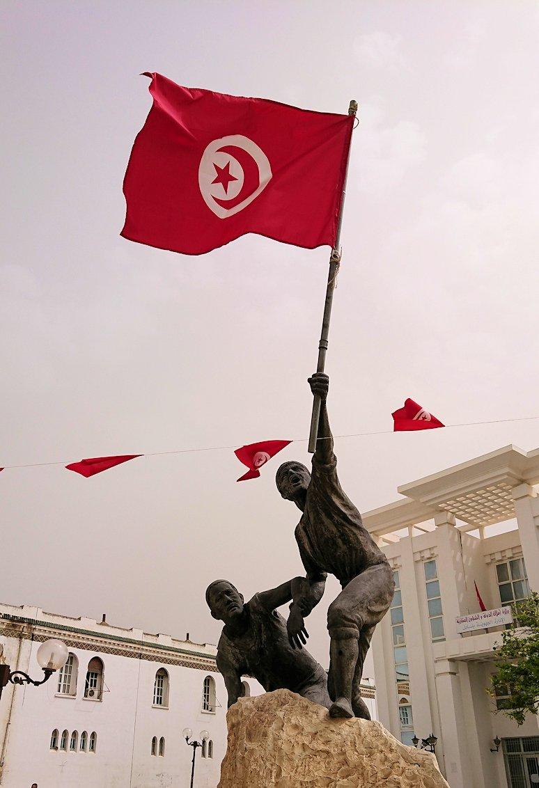 チュニジア:ナブールの街で旧市街地の奥の広場にて6