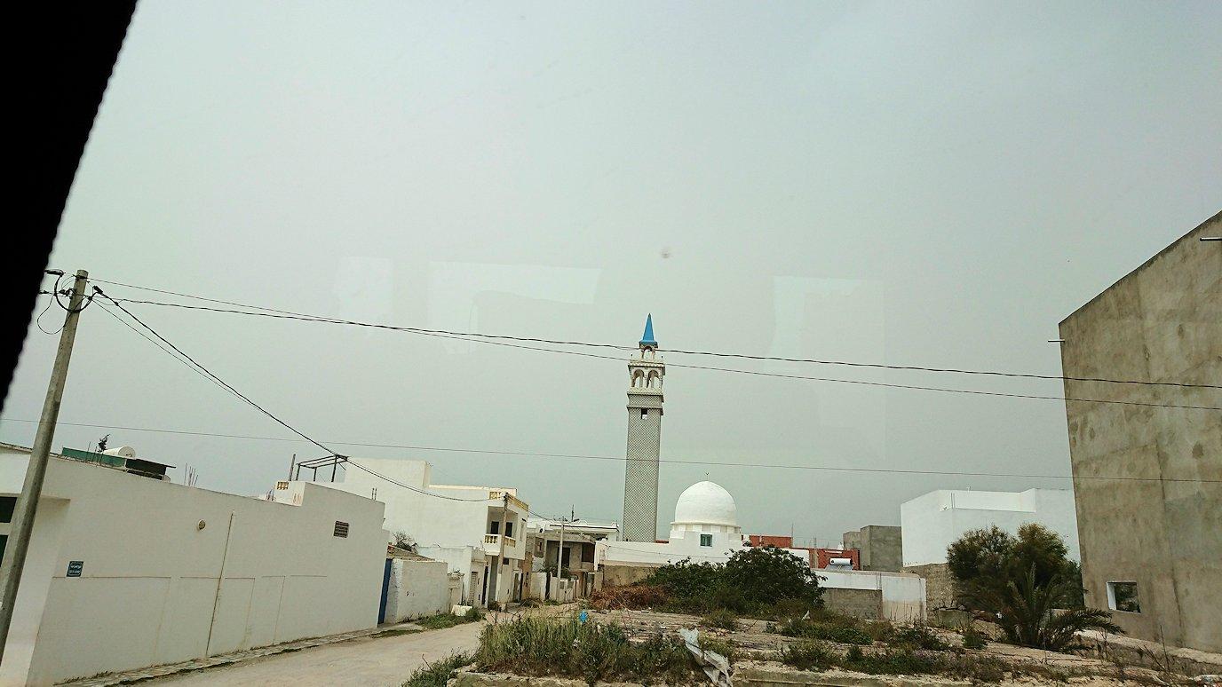 チュニジア:ナブールからケリビアに向かう道中の景色7