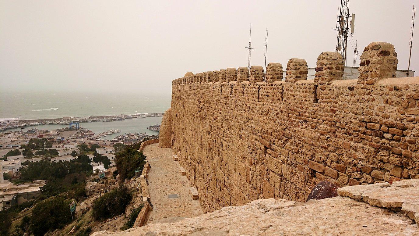 チュニジア:ケリビアの城塞付近からの眺め