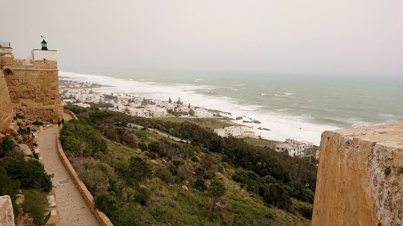チュニジア:ケリビアの城塞付近からの眺め8