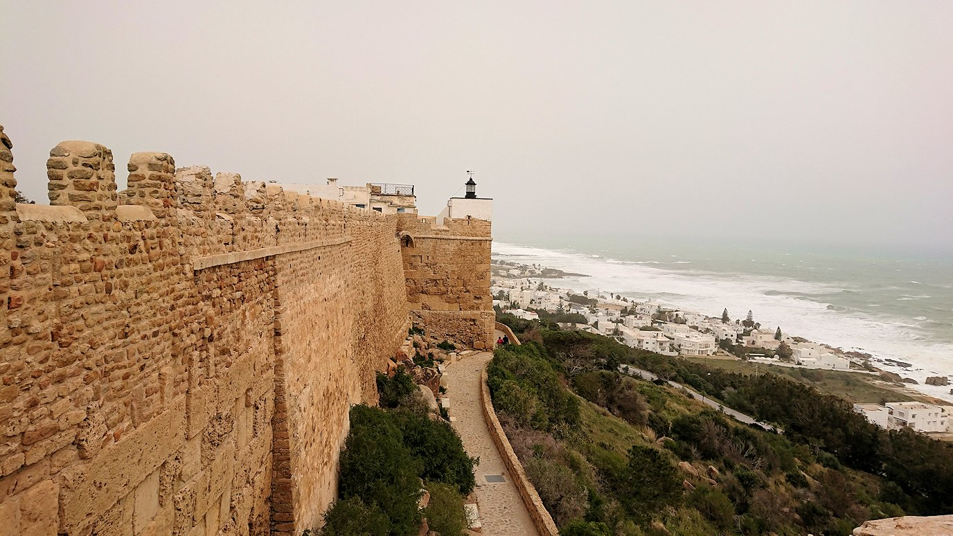 チュニジア:ケリビアの城塞付近からの眺め9