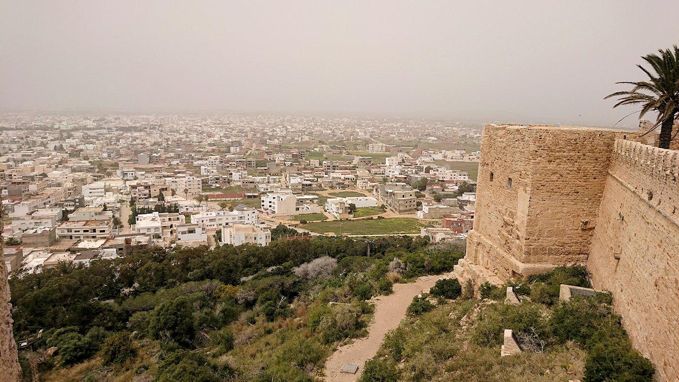チュニジア:ケリビアの城塞跡で楽しむ8