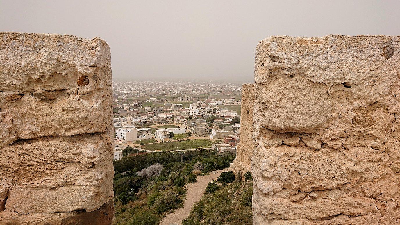チュニジア:ケリビアの城塞跡で楽しむ9