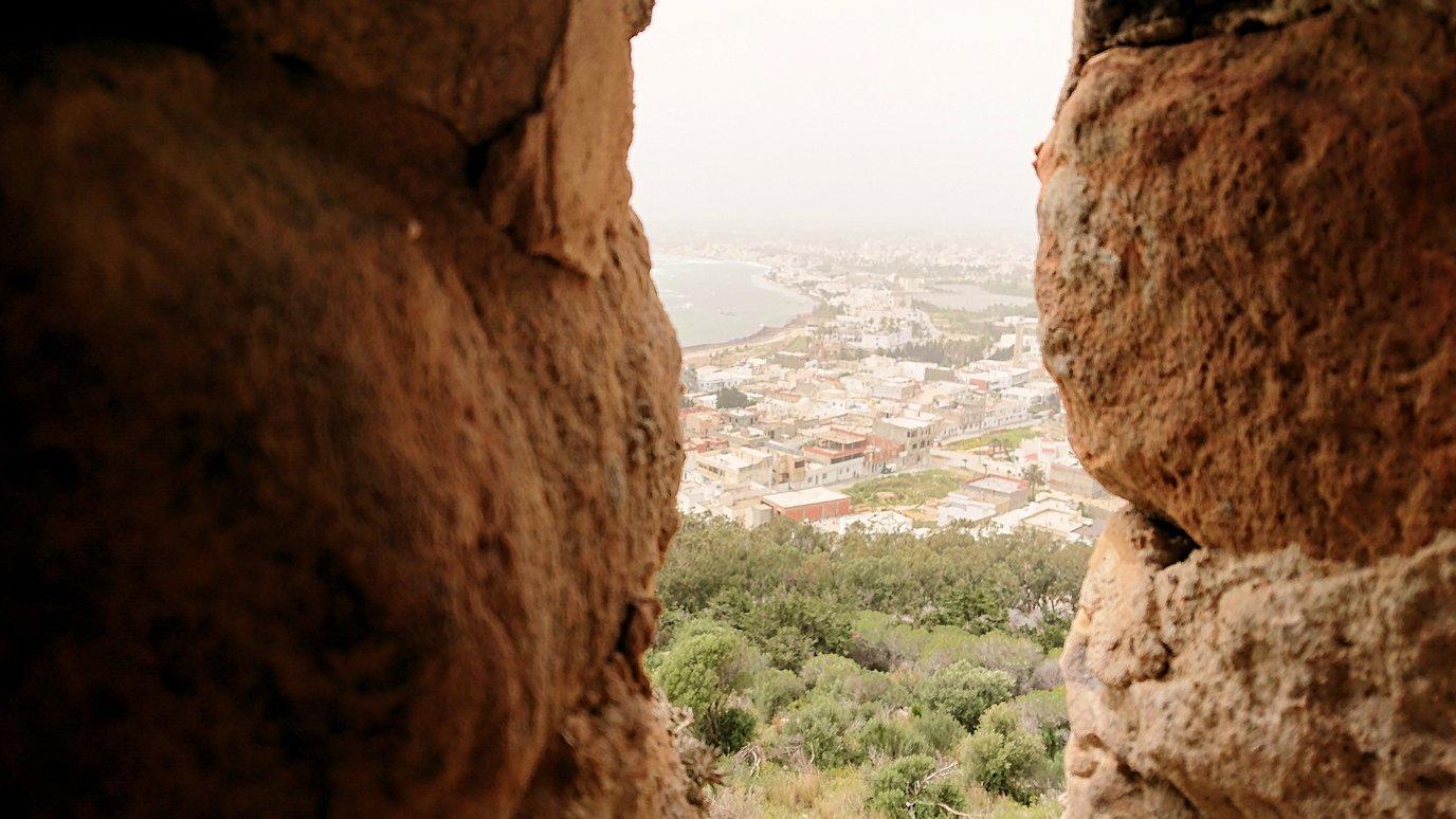 チュニジア:ケリビアの城塞跡の見学はまだまだ続く2