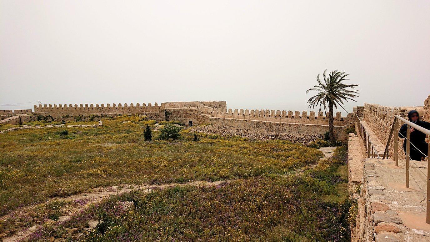 チュニジア:ケリビアの城塞跡の見学はまだまだ続く8