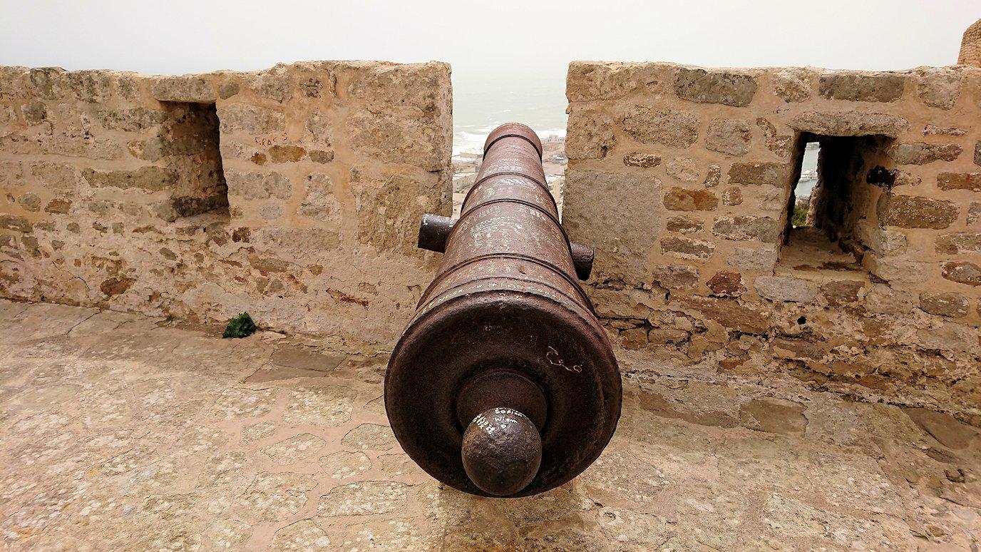 チュニジア:ケリビアの城塞跡内の観光終了?!3