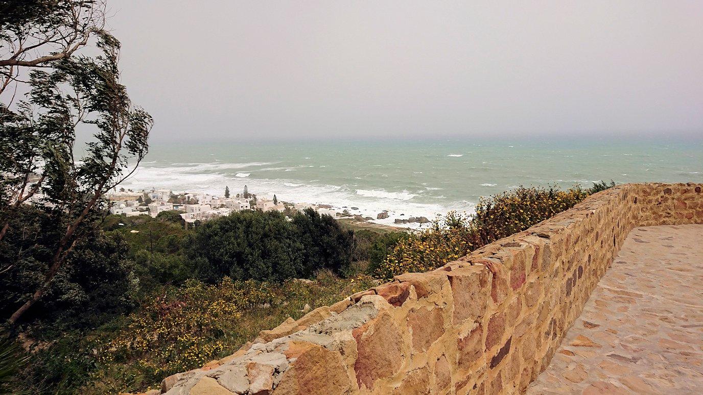 チュニジア:ケリビアの城塞跡内の観光終了?!9