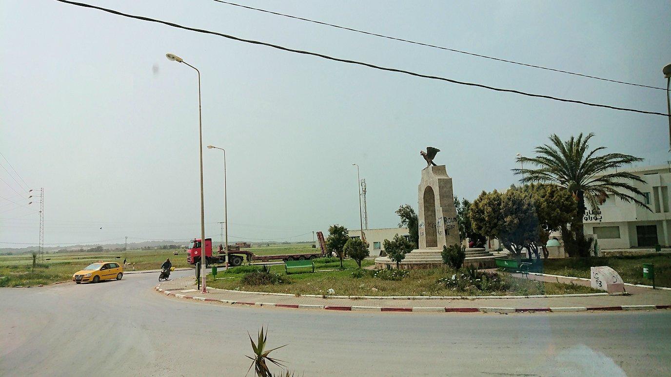 チュニジア:ボン岬のレストランに向かう3