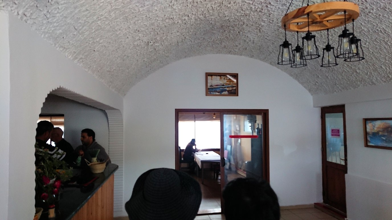 チュニジア:ボン岬のレストランに向かう8