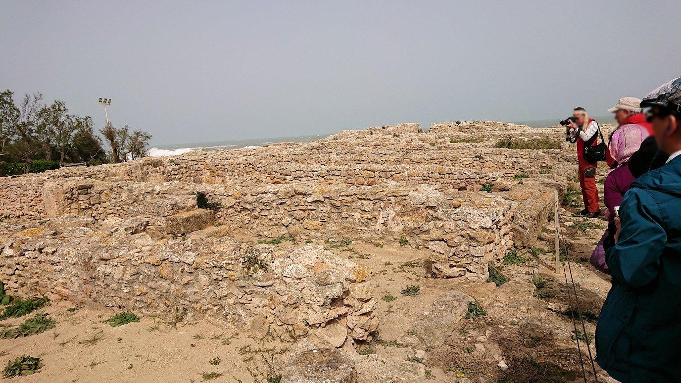 チュニジア:のケルクアン遺跡内の住居部分を見学2