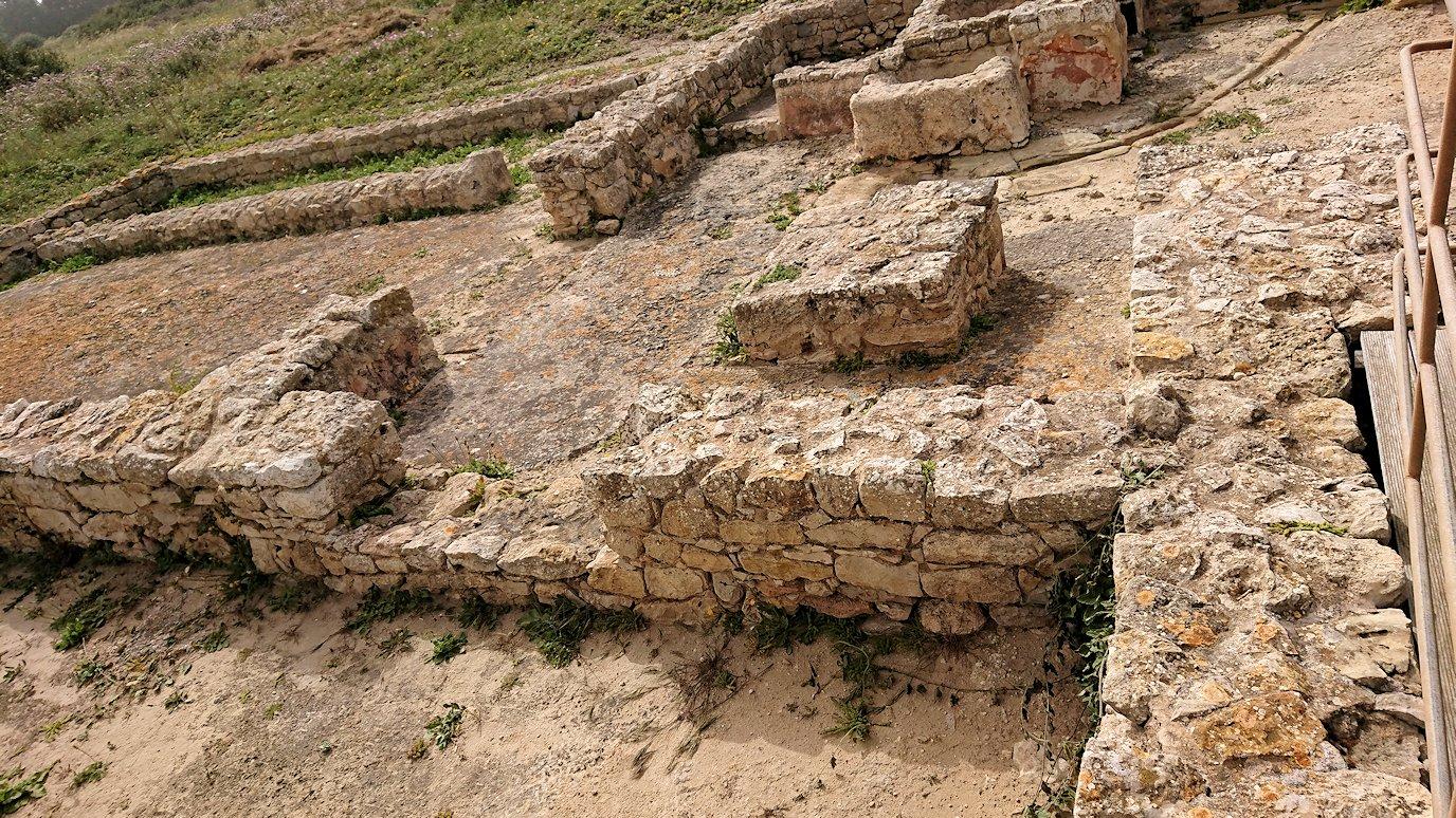 チュニジア:のケルクアン遺跡内の住居部分を見学9