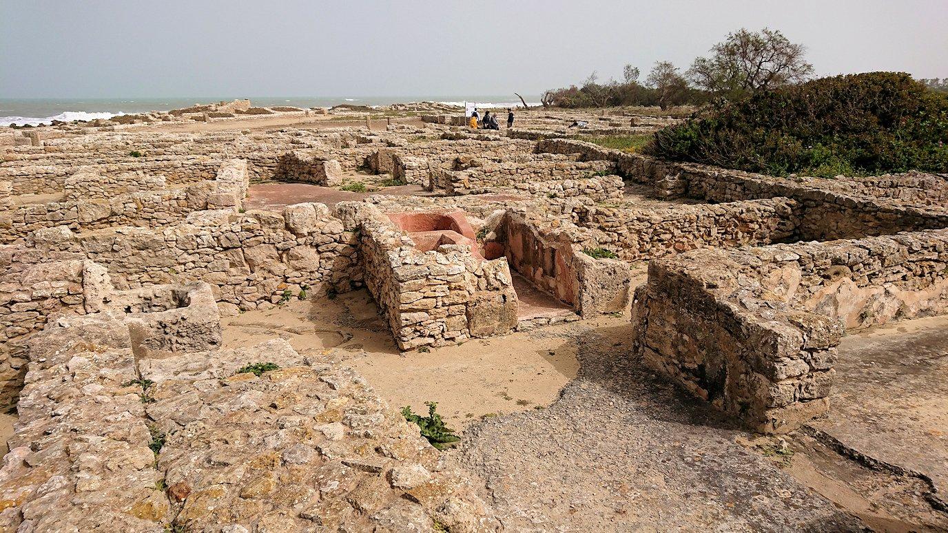 チュニジア:のケルクアン遺跡内の風呂跡を見てみる1