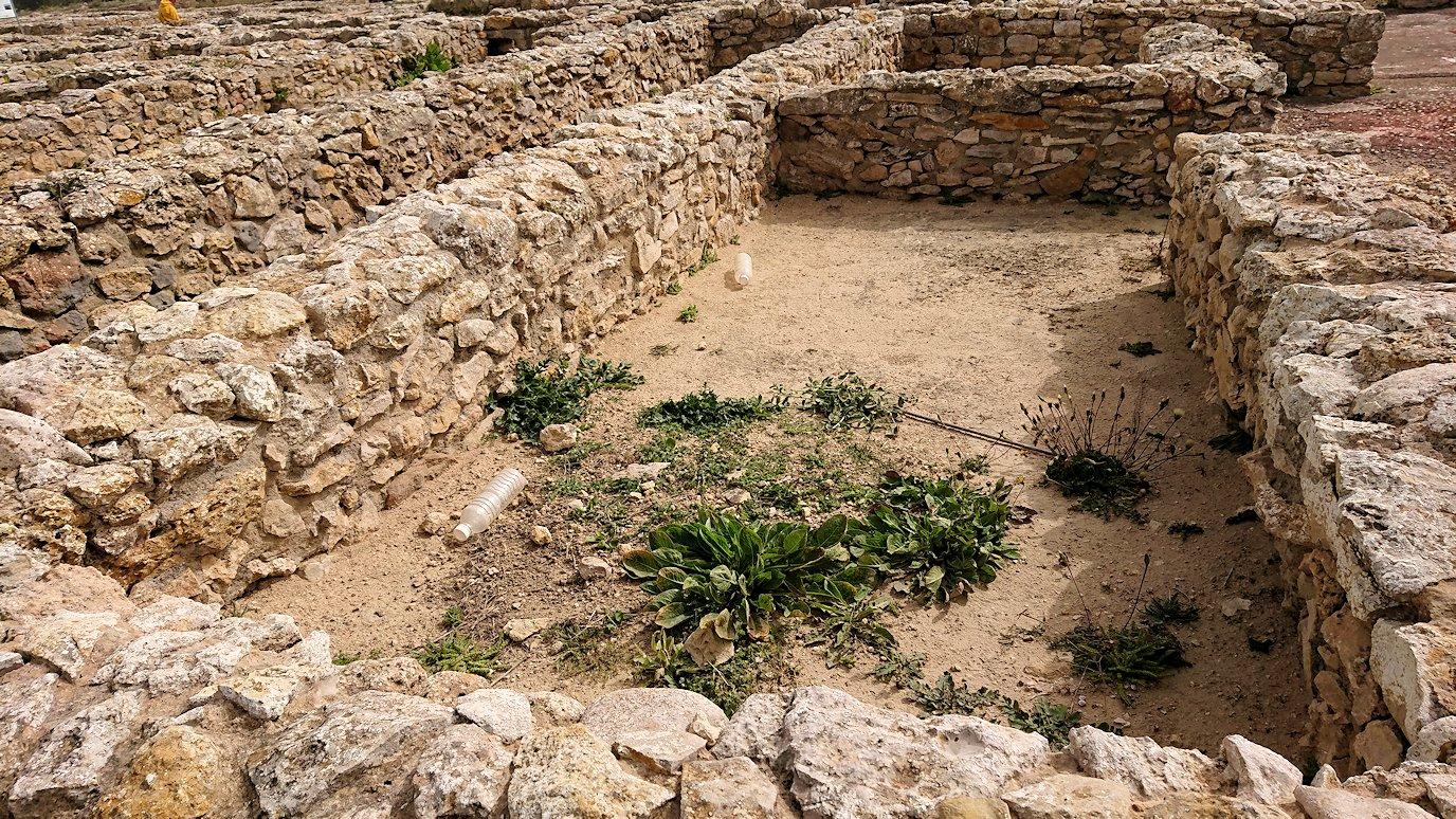 チュニジア:のケルクアン遺跡内の風呂跡を見てみる6