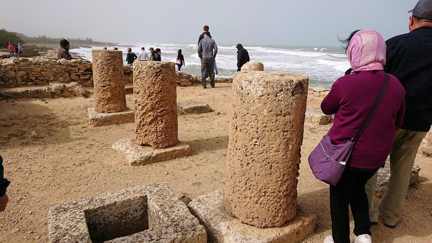 チュニジア:のケルクアン遺跡の海沿いを見学3