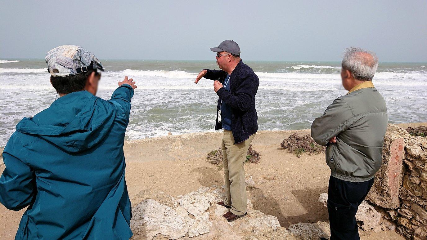 チュニジア:のケルクアン遺跡の海沿いを見学6