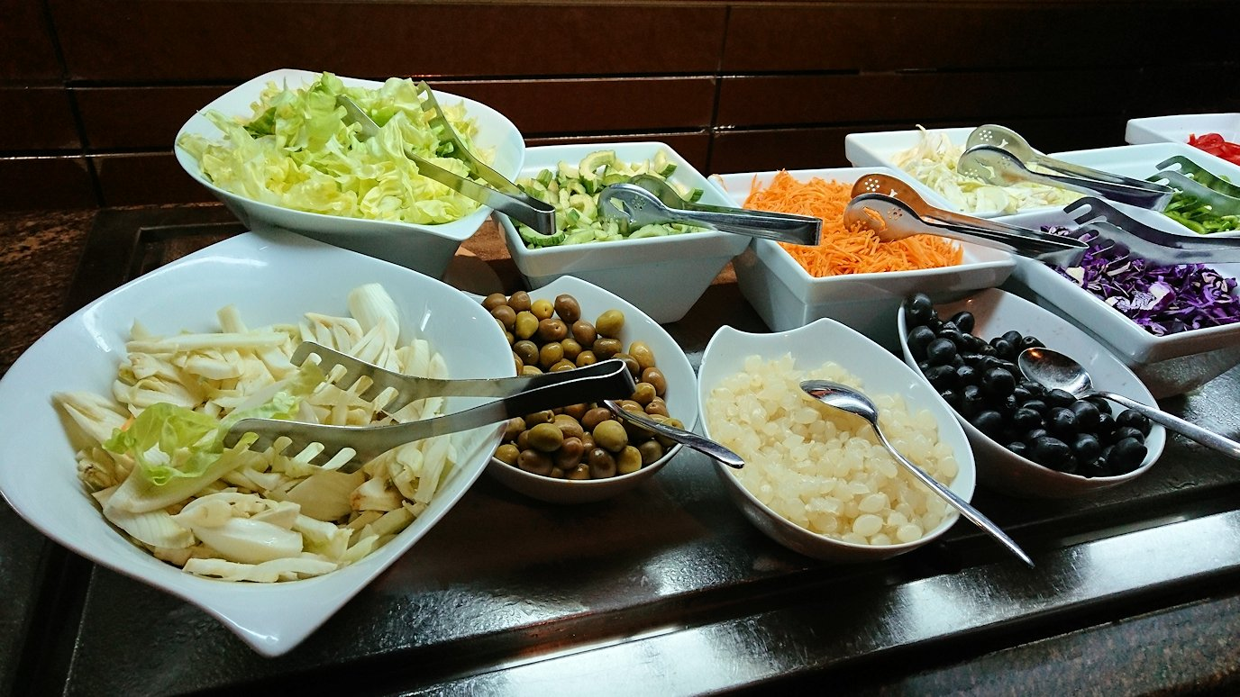 チュニジアのチュニスにあるエルムラディ・アフリカ・ホテルの夕食バイキングの様子2