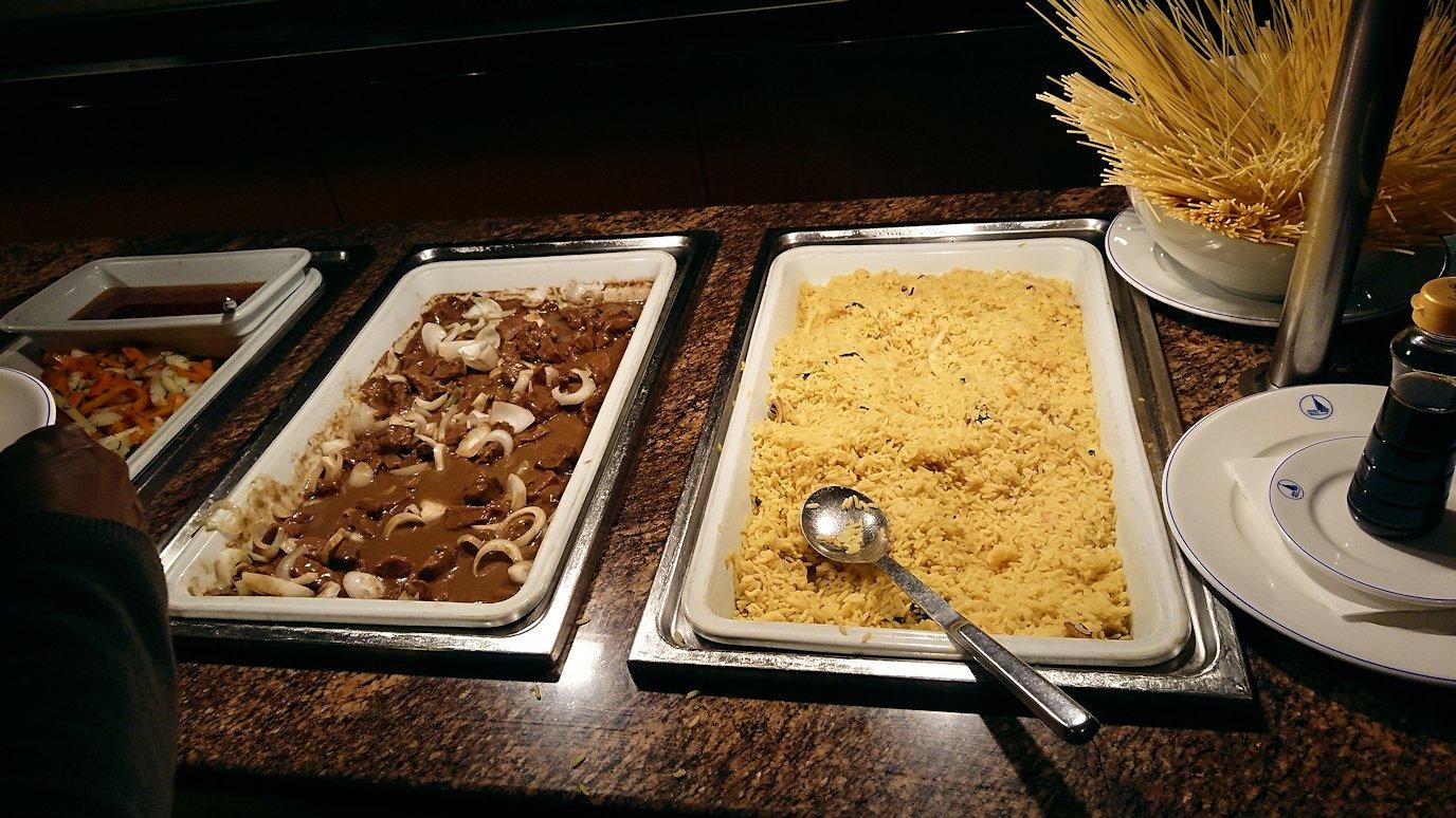 チュニジアのチュニスにあるエルムラディ・アフリカ・ホテルの夕食バイキングの様子6