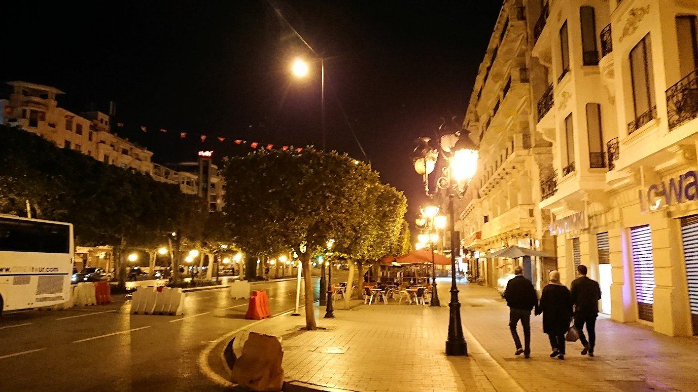 チュニジアのチュニスにあるエルムラディ・アフリカ・ホテルの夕食を食べて、その後夜の街へ出かける5