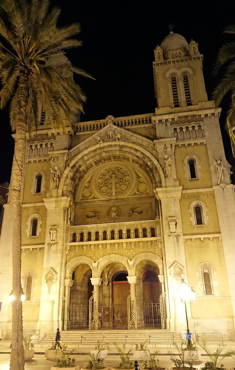 チュニジアのチュニスにあるエルムラディ・アフリカ・ホテルの夕食を食べて、その後夜の街を満喫1