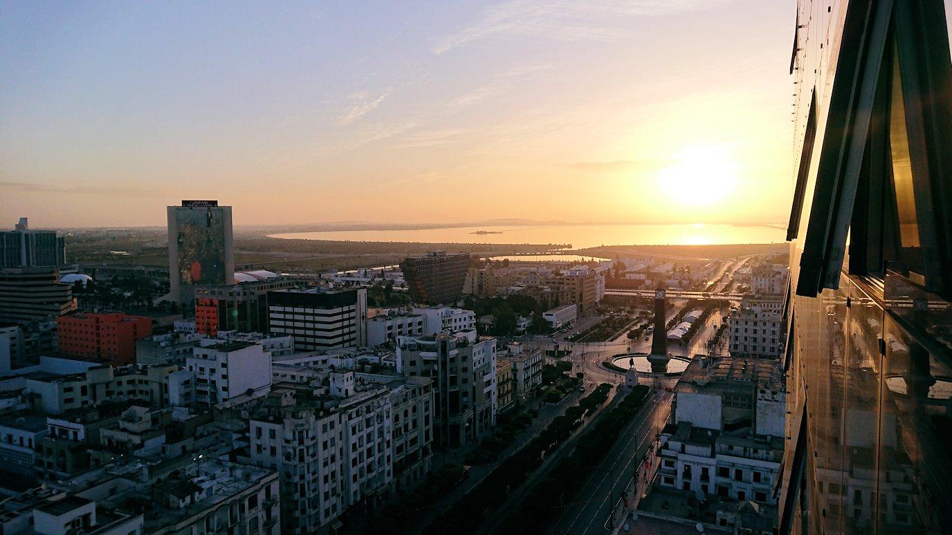 チュニジアのチュニスの朝の街を散策そホテルに戻る1