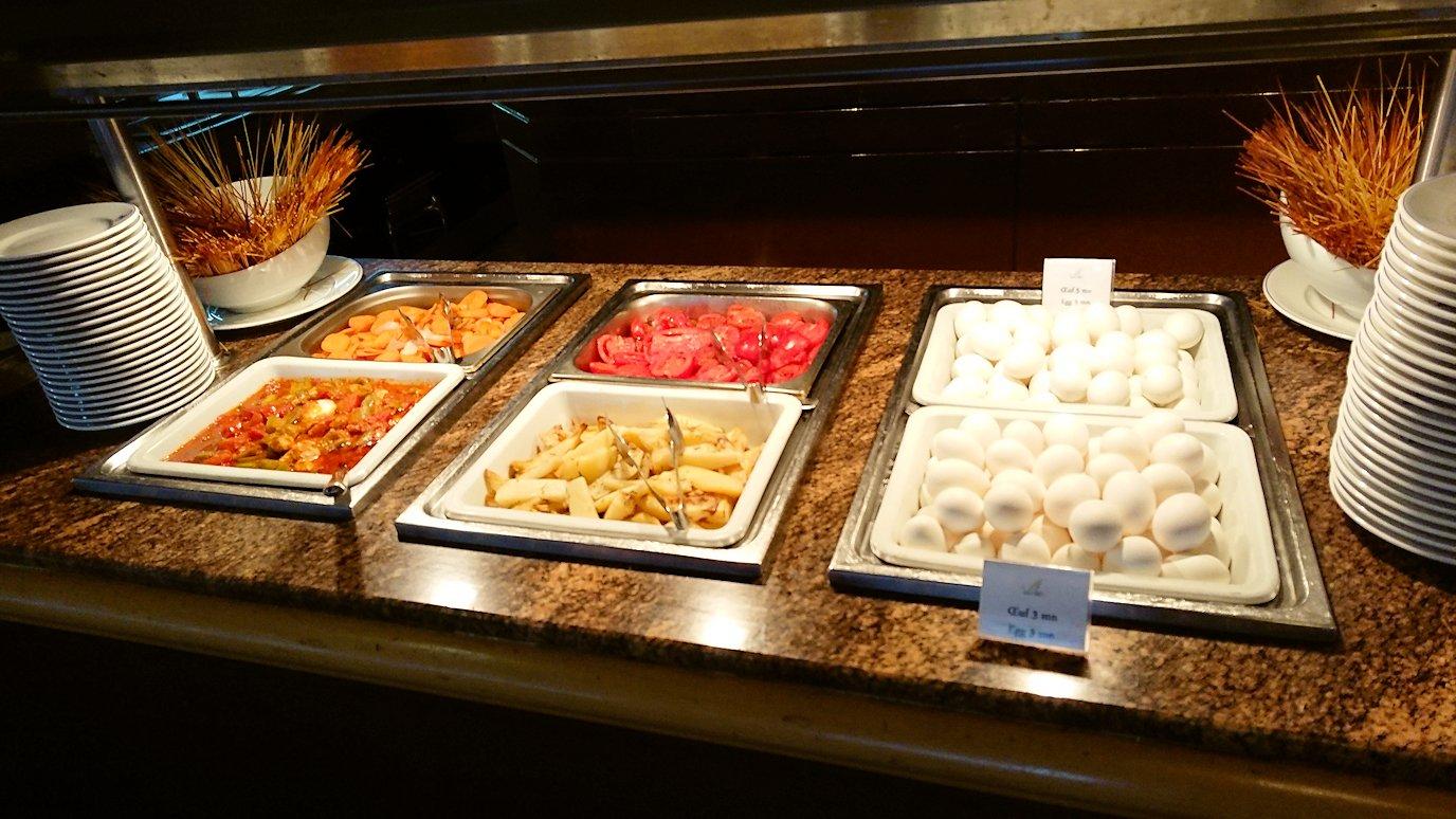 チュニジアのチュニスの朝の街を散策そホテルに戻り朝食を食べる
