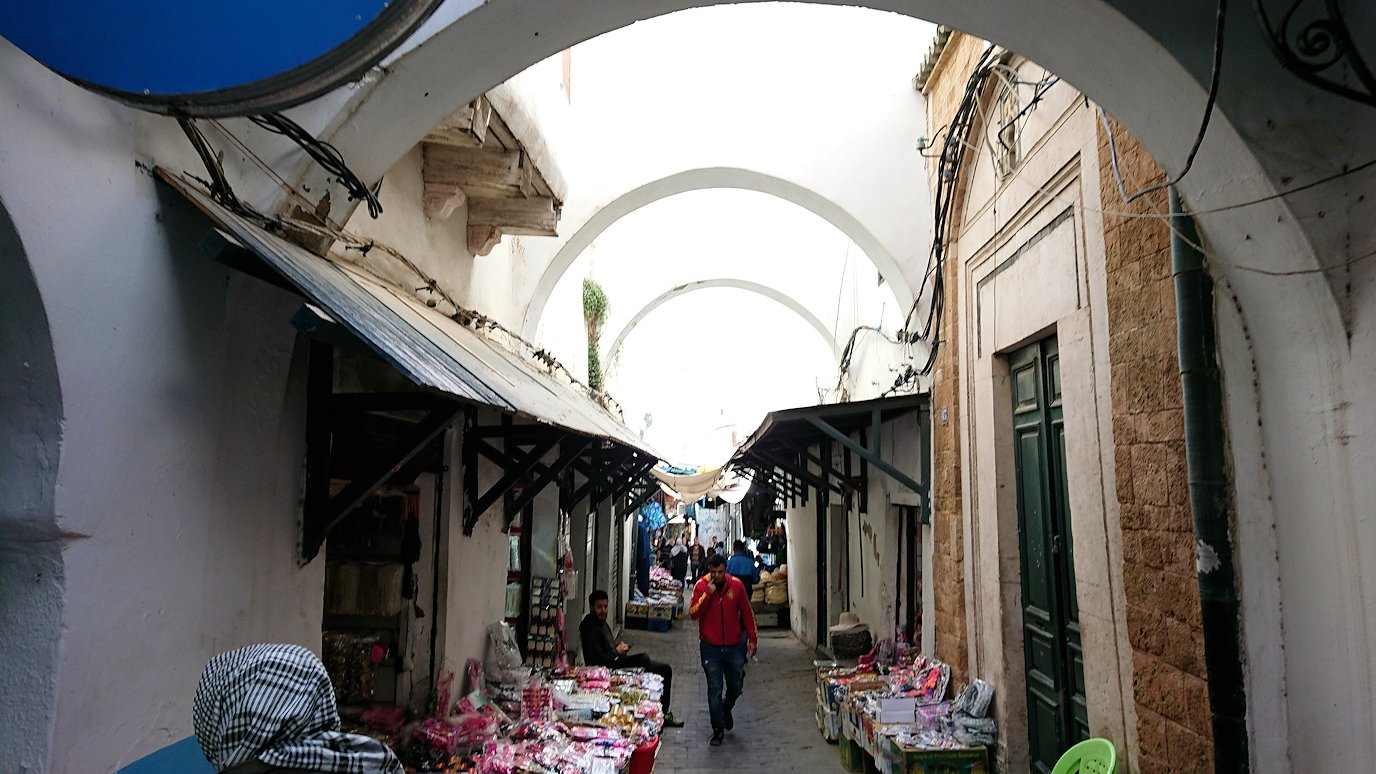 チュニジア:チュニスのメディナ自由時間に散策1