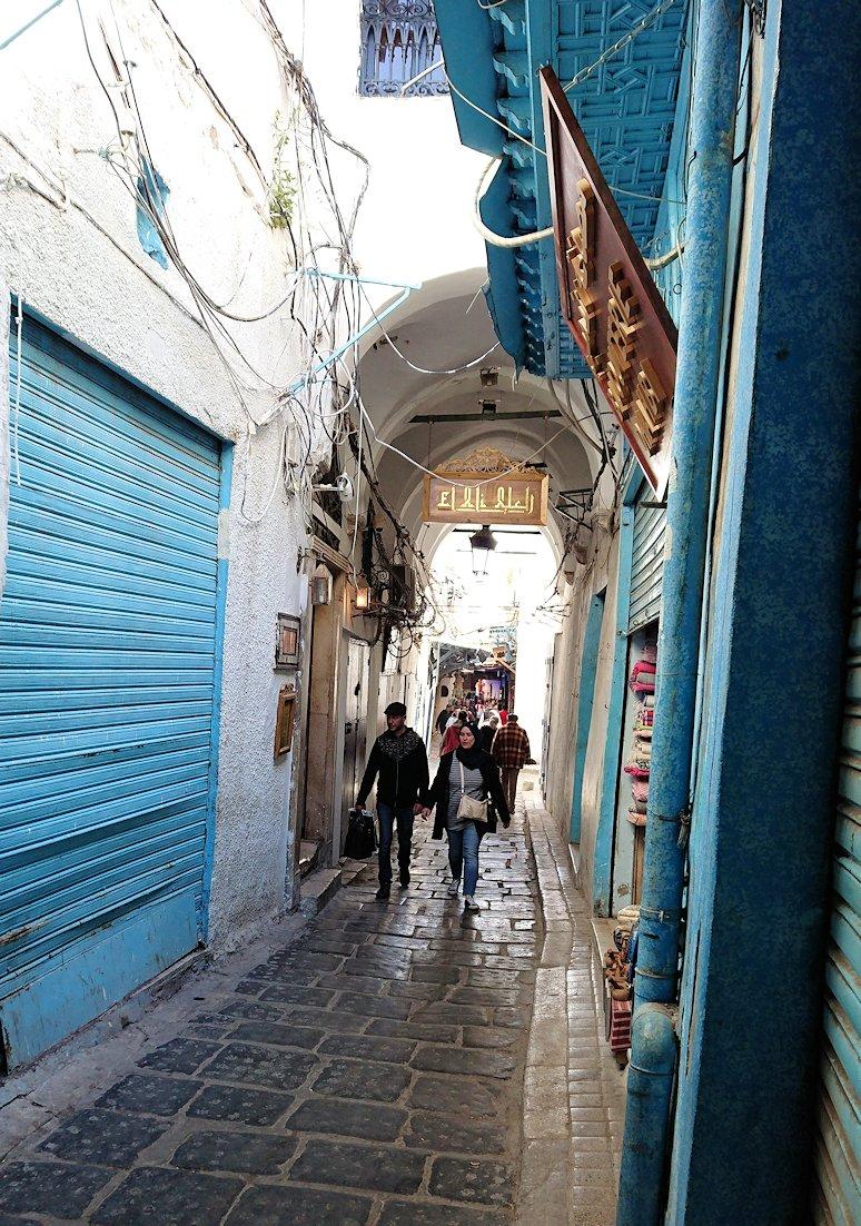 チュニジア:チュニスのメディナを歩き回る
