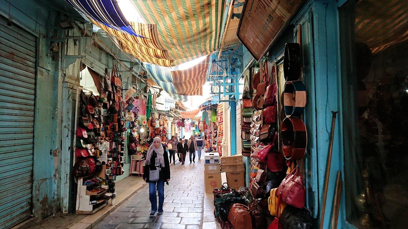 チュニジア:チュニスのメディナを歩き回る1