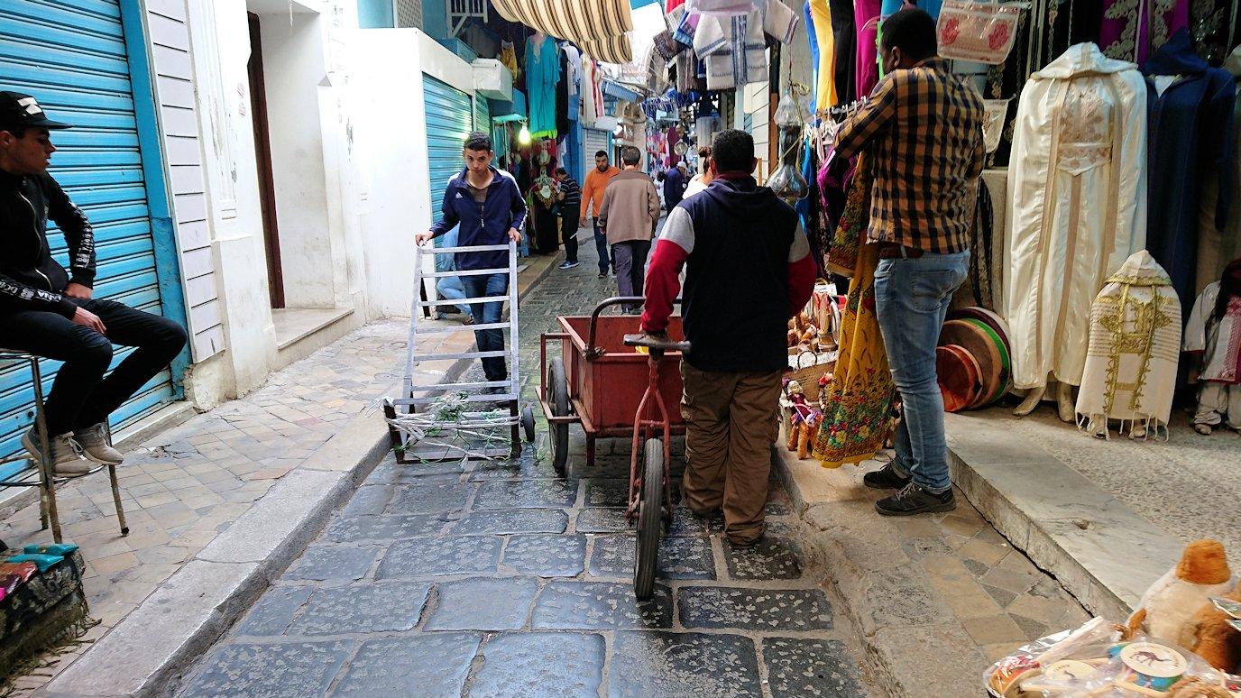 チュニジア:チュニスのメディナを歩き回る2