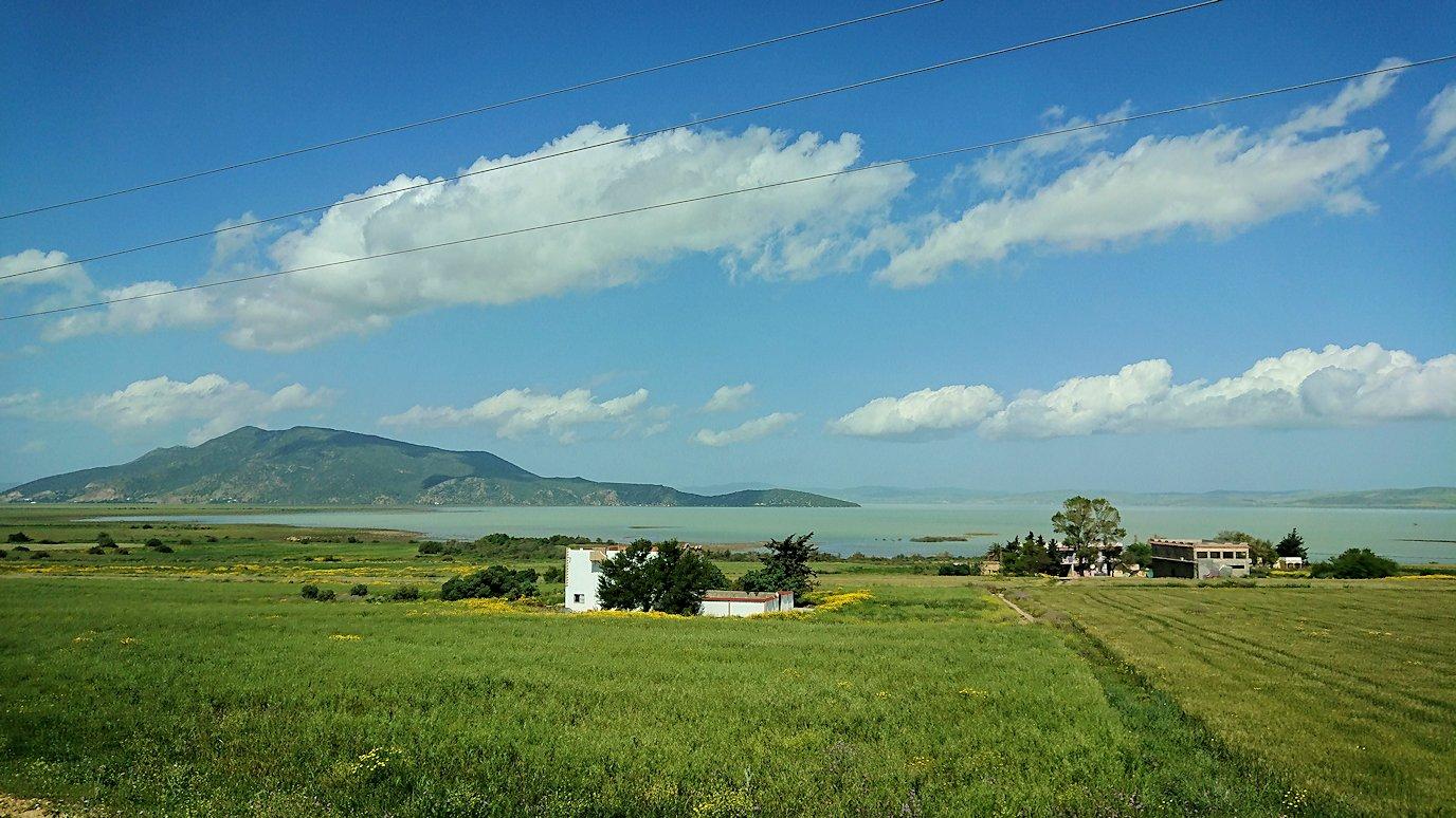 チュニジア:チュニスからイシュケウル国立公園の近くに来る1